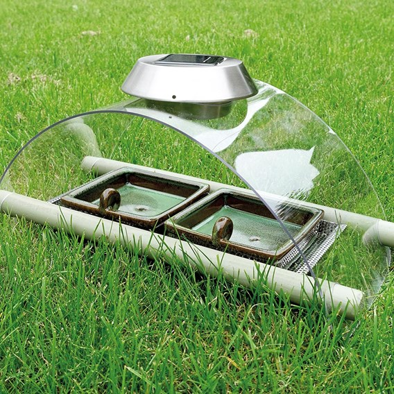 Solar Mammal Night Feeder