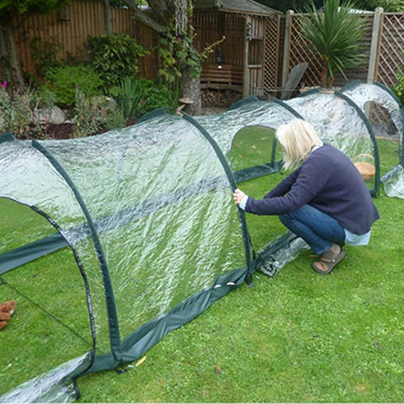 Polythene Tunnels L3M X W1.5M X H1.5M - 2 Zip Panels